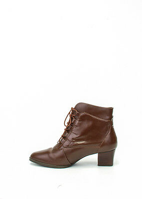 Size 7 Vintage Ladies Brown laceup ankle boots