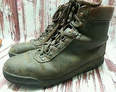 vintage 93 VASQUE HIKING BOOTS men 10.5 M Cowhide LEATHER mountaineering ITALY