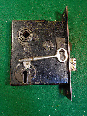 VINTAGE PENN MORTISE LOCK with KEY  -  CIRCA 1900 - VERY NICE (5608-A)