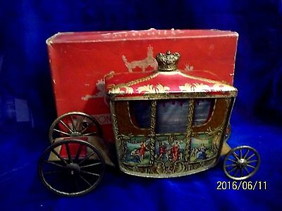 Rare Vintage 1936 - 1937 W & R Jacob's Co Coronation Coach Biscuit Tin Plus Box!