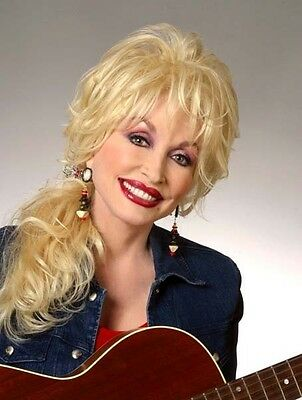 Dolly Parton UNSIGNED photo - 3108 - Country and Western singer and actress