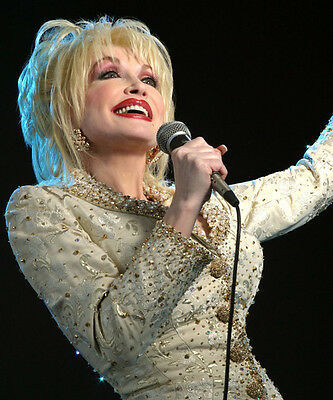 Dolly Parton UNSIGNED photo - 3112 - Jolene, I Will Always Love You & 9 to 5