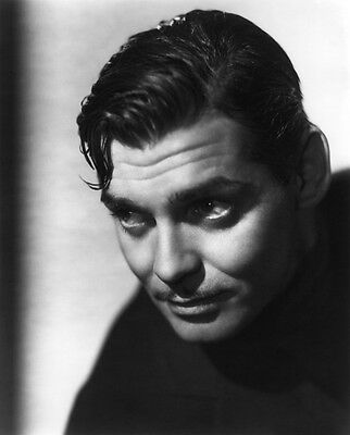 Clark Gable UNSIGNED photo - B2419 - HANDSOME!!!!