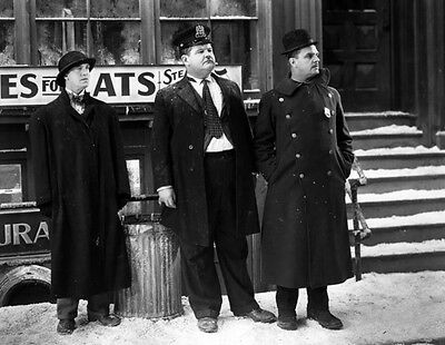 Laurel and Hardy with Frank HollidaynUNSIGNED photo - B2717 - Below Zero