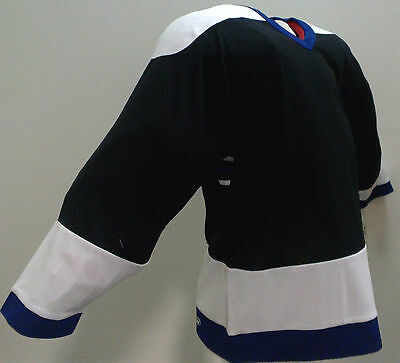 New Ccm Ice Hockey Jersey In Size Senior S (Black/white/blue)