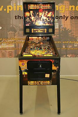 PIRATES OF THE CARIBBEAN Flipper Pinball von Stern F0771