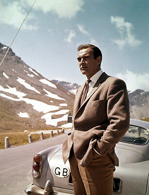 Sean Connery UNSIGNED photo - B2974 - James Bond - Goldfinger