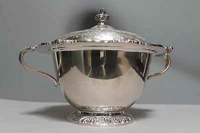 1847 Rogers Bros HERITAGE Silver Plated Large Handled Vegetable Tureen Bowl /Lid