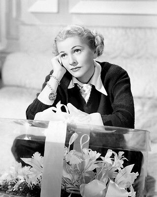Joan Fontaine UNSIGNED photo - C205 - You Gotta Stay Happy