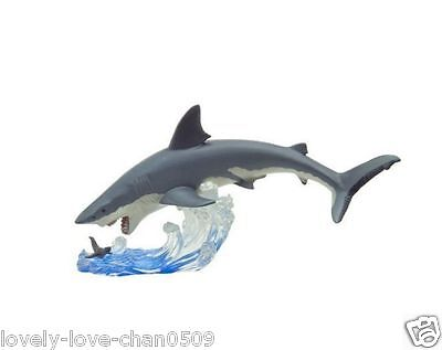 Brand New Great White Shark The Attack Favorite Polyresin Figure Japan