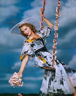 Janet Leigh UNSIGNED photo - C448 - GORGEOUS!!!!!