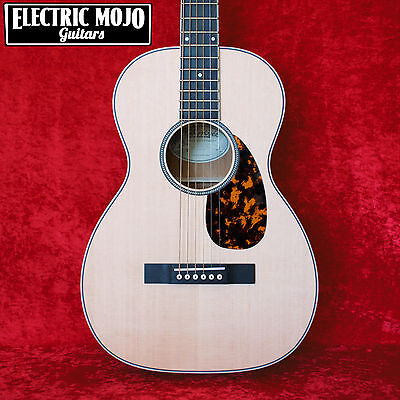 Larrivee P-03 Parlor Limited Edition Acoustic Guitar