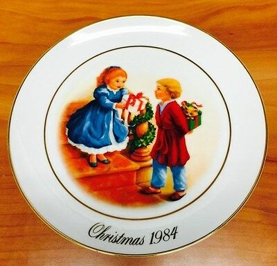 1984 4th Edition Avon Christmas Memories-Celebrating the Joy of Giving Col Plate
