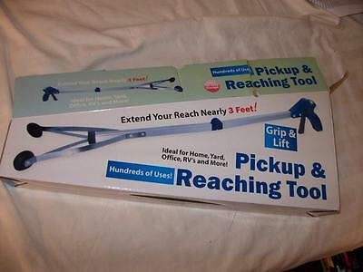 Pickup and Reaching Tool Extends Nearly 3 Foot with Suction Cup Grippers NEW