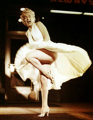 Marilyn Monroe UNSIGNED photo - C1156 - The Seven Year Itch