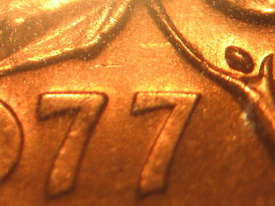 CANADA 1 cent 1977 with a DIE CLASH on date + throat + behind the head -MS
