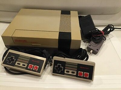 Nintendo NES Video Game Console System Bundle