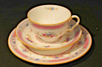 1924 Fab. Hand Painted Royal Doulton Trio H1442 Pastel Colours Roses & Berries