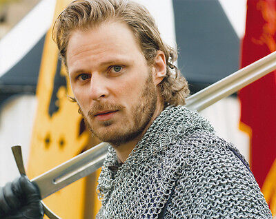 Rupert Young UNSIGNED photo - 3453 - Merlin