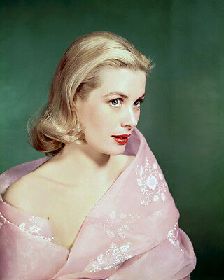 Grace Kelly UNSIGNED photo - D573 - STUNNING!!!!