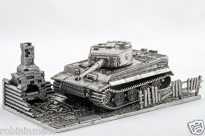 World of Tanks Tiger With  Stand Scale 1:72 Model Colectable Panzer  METAL