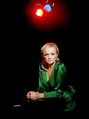 Emma Bunton UNSIGNED photo - D1718 - SEXY!!!!
