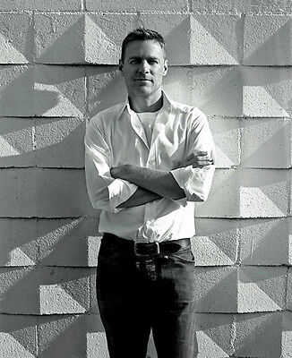 Bryan Adams UNSIGNED photo - D2124 - Canadian singer, guitarist & songwriter