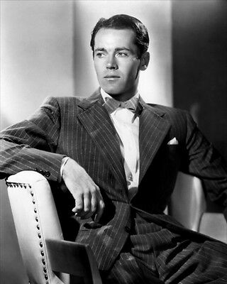 Henry Fonda UNSIGNED photo - D2338 - HANDSOME!!!!!