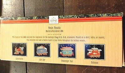 Hallmark Keepsake Ornaments - 1991 Trestle display + 4 Cars - B013