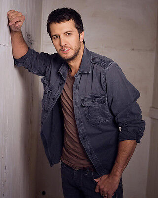 Luke Bryan UNSIGNED photo - E470 - American country music singer and songwriter