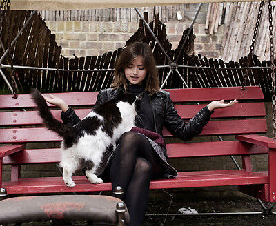 Jenna Coleman UNSIGNED photo - E512 - With her cat!!!!