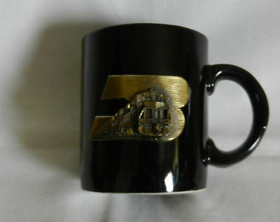 BURLINGTON NORTHERN railroad 1988 Chicago Division Coffee mug EMBOSSED NoReserve