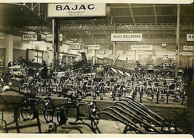"""SALON DE LA MACHINE AGRICOLE 1932"" Photo originale G. DEVRED (Agce ROL)"
