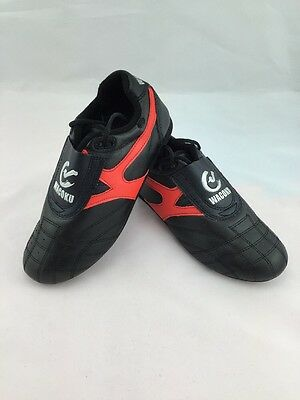 Size 44 Martial Arts Shoes Trainers Black Red Wacoku