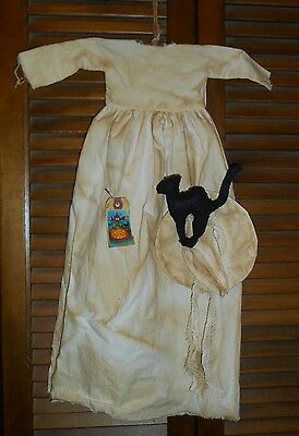 Prim WALL DRESS Primitive Decor WHITE WITCH W/HAT and CAT Halloween Grungy