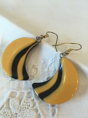 Vintage Dual Tone Yellow And Black Bakelite Earrings