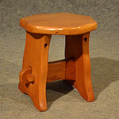 Arts & Crafts Style Low Milking Small Stool Elm Footstool 20th Century