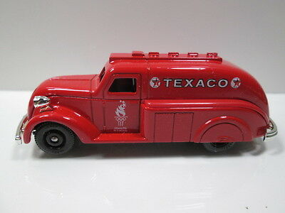 TEXACO  1937 SIX WHEEL REFINED OIL TRUCK  die-cast
