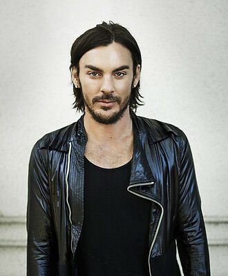 Shannon Leto UNSIGNED photo -E1507- Drummer of rock band Thirty Seconds to Mars