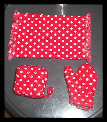 Miniature Dollhouse Kitchen Set Towel And Oven Mets Red & White Dots  Clb1060