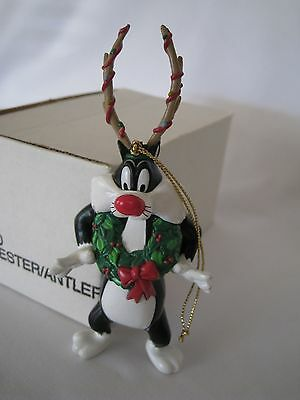 1990 Warner Brother Looney Tunes Holiday Ornament Sylverter Antlers Bb010