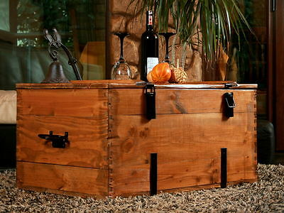 Large Rustic wood pine Chest Trunk Blanket Box Vintage Coffee Table Cottage (4)
