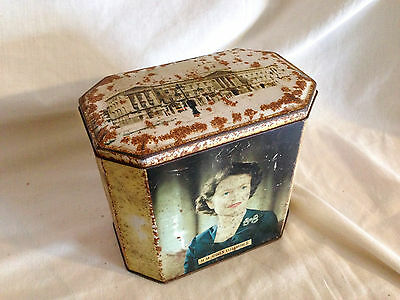 Queen Elizabeth II Vintage TIN FULL OF BUTTONS - 1.2kg