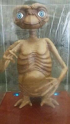 12 inch Authentic ET extra terrestrial TRU exclusive limited edition figure