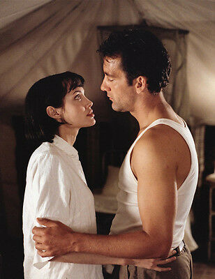 Angelina Jolie and Clive Owen UNSIGNED photo - F524 - Beyond Borders