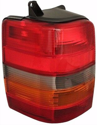 windsor 2002 2003 2004 right passenger tail lamp taillight windsor 2002 2003 2004 taillight tail light rear lamp rv left