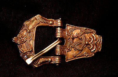 Buckle with plate, large, with face - Y-86