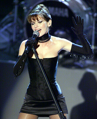 Shania Twain UNSIGNED photo - E637 - Canadian singer and songwriter