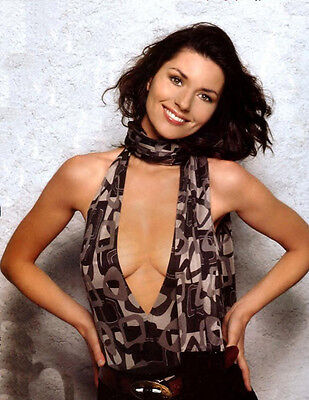 Shania Twain UNSIGNED photo - E650 - BEAUTIFUL!!!!!