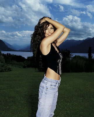 Shania Twain UNSIGNED photo - F661 - STUNNING!!!!!